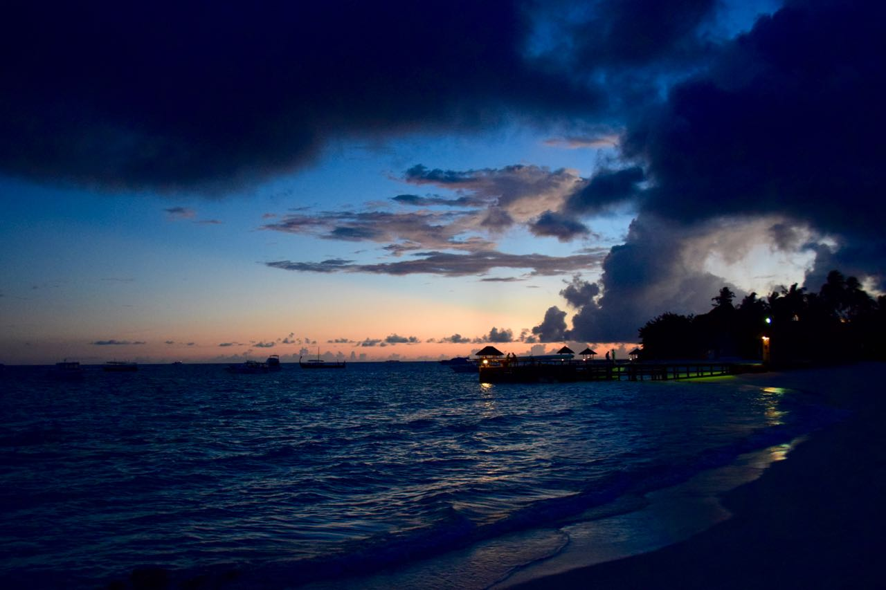 Maldives – Sunset over Velassaru